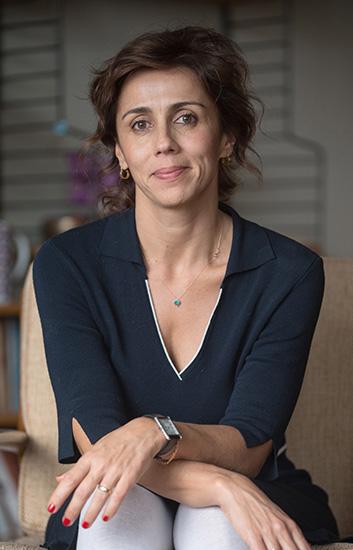Author Defne Suman